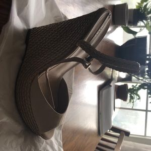 Aldo 5 1/2 in strappy wedge heels